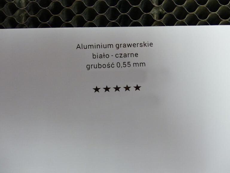 aluminium_do_grawerowania laserem_bialo_czarne