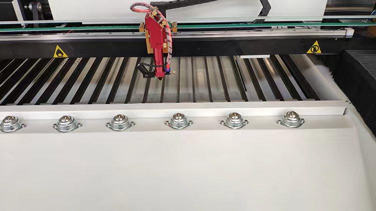 LiquiLaser EXPERT 250x130 EX Mesa