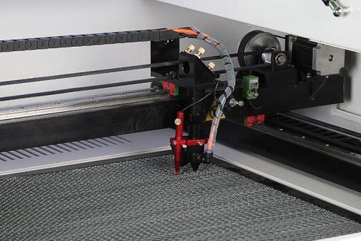 Cabezal de laser con sistema auto foco